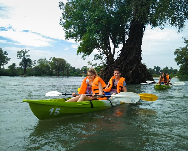 dolphin-kayaking-adventure-kratie-cambodia-1